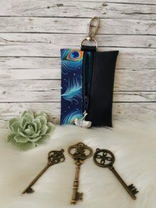 Pávatollas kék kulcstartó