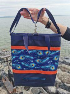 Pávatollas kék rolleres táska