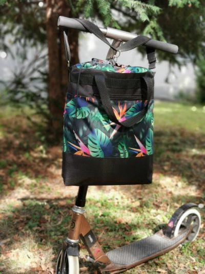 Egzotikus virágos rolleres táska
