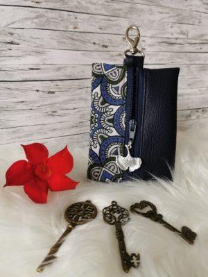 Kulcstartó kék mandalás