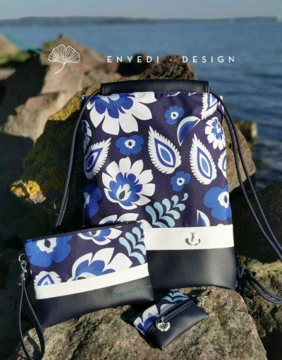 Kék virágos hátizsák