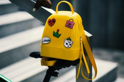backpack-bags-bicycle-saddle-934673 (1) kicsi